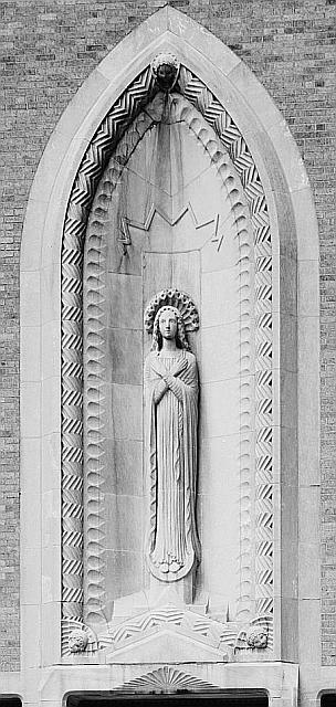 immaculata_high_school_statue