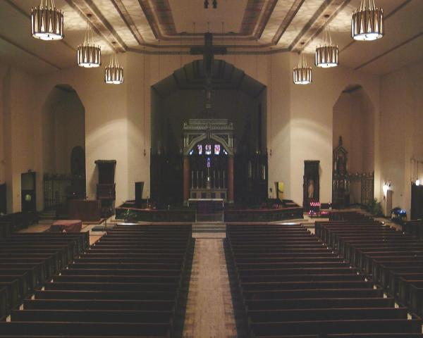 st_thomas_chicago_int_altar