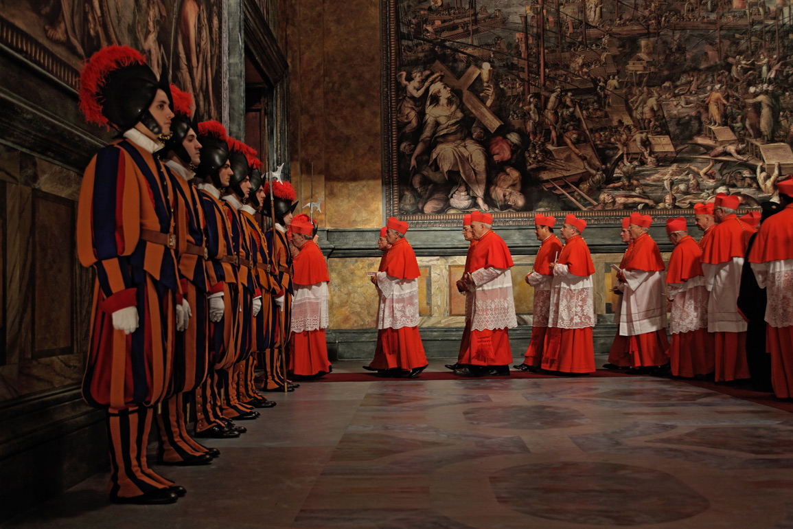 Cardinals enter Sistine Chapel