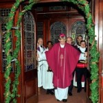 REPRO FREE 12.12.2015 Bishop John Buckley, Cork and Ross Diocese opening the Door of Mercy at St. Francis Church, Liberty St., Cork to mark the opening of the Jubilee of Mercy which was inaugurated by Pope Francis last week. Picture: Mike English.